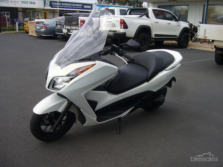 Honda 300 Forza